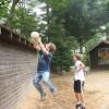 Les camps de vacances: premier pas vers le voyage pour nos enfants?