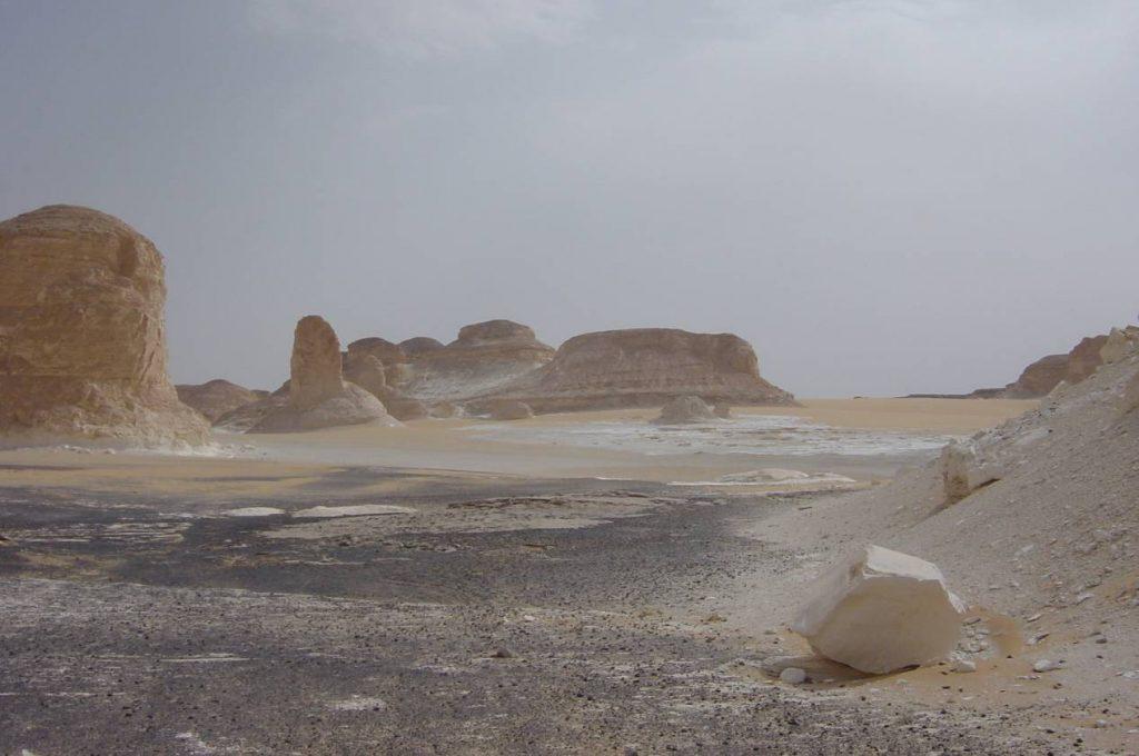 Desert-noir-desert-blanc-egypte-Agabat-2