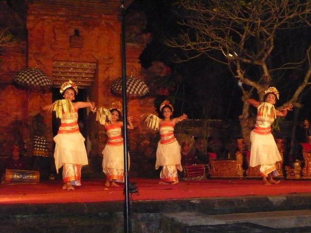 Danses Legong Bali
