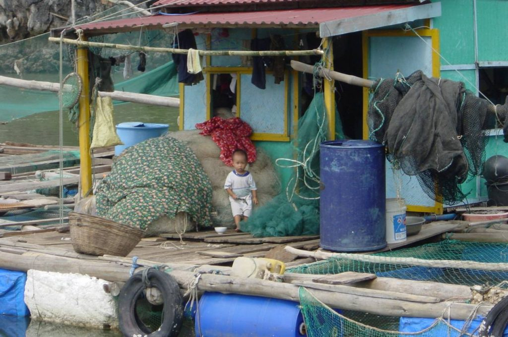 village flottant cat ba