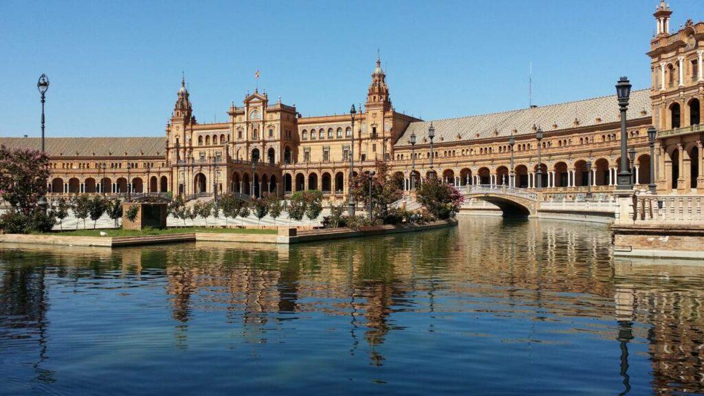 canal plaza espana seville