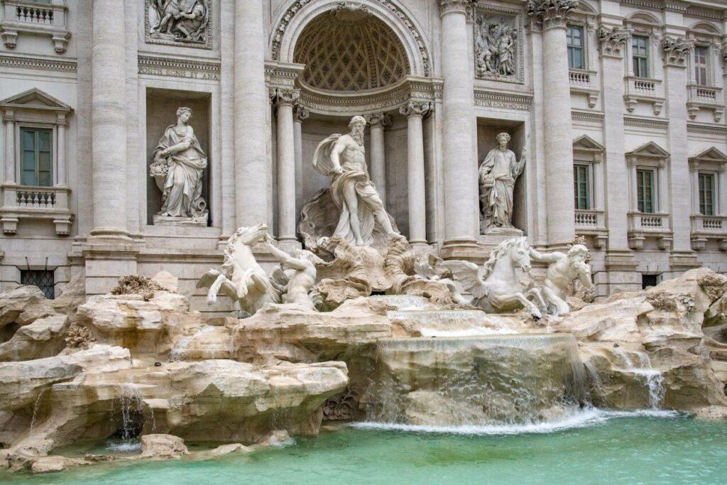 statue neptune rome